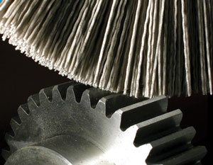 Brush in abrasive nylon used in deburring of gears