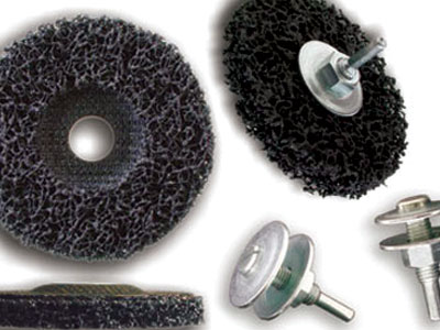 Discs in nylon fiber for pickling